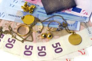vecchi gioielli per denaro contante